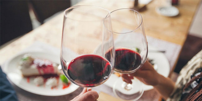 "18 February - National ""Drink Wine"" Day in USA"