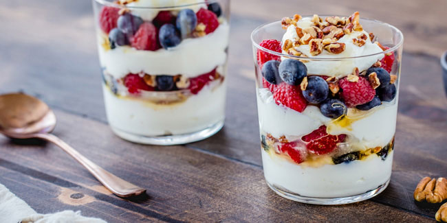 "25 November - National Parfait Day and National ""Eat with a Friend"" Day in USA"