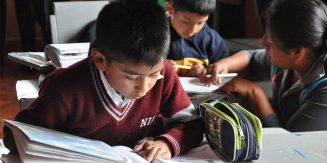 13 November - National Education Day in Ecuador