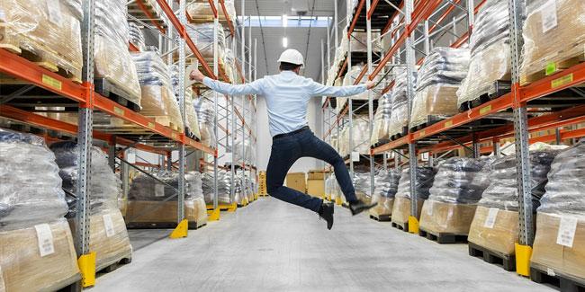20 июня - День работника склада. Календарь :: Праздники и события