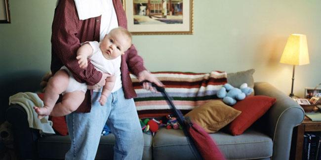 Большинство вынужденных домохозяек и домохозяев иногда заняты по 20 часов в сутки
