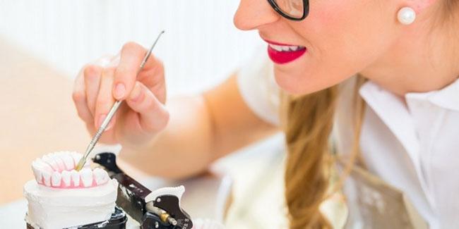 Зубной техник — отдельная профессия в современной стоматологии